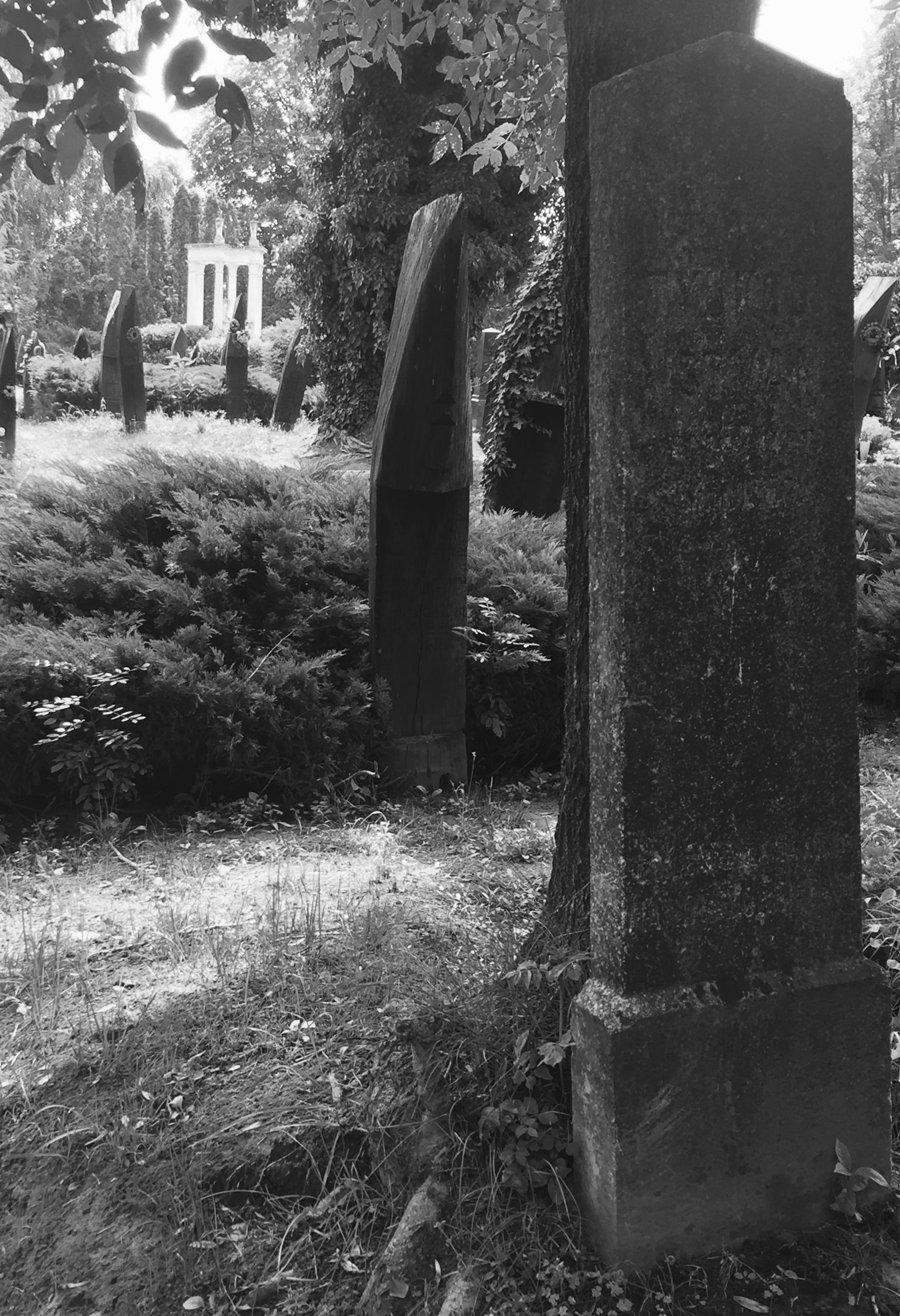 Tyukody István fejfája a legrégebbi síremlék a temetőben